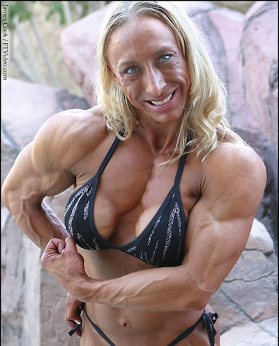 weird-female-bodybuilder11.jpg